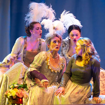 Students run the show in Opera Laurier's Cendrillon